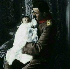 Enver Paşa ve büyük kızı Mahpeyker..