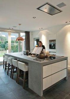 Materiaalgebruik keuken keukenraam (incl deuropening in raam) Kitchen Living, New Kitchen, Kitchen Decor, Kitchen Ideas, Living Room, Concrete Kitchen, Kitchen Flooring, Kitchen Tile, Concrete Bench