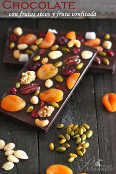 Chocolate with nuts and candied fruit Homemade Chocolate Bars, Artisan Chocolate, Chocolate Sweets, Chocolate Bark, Chocolate Recipes, Chocolate Truffles, Candy Recipes, Dessert Recipes, Bark Recipe