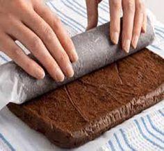 How to Make a Chocolate Roulade Sponge Cake for Christmas