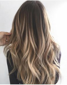 Homecoming Hairstyles For Black Girls fait partie de Amazing Prom Hairstyles For. - Homecoming Hairstyles For Black Girls fait partie de Amazing Prom Hairstyles For Bla … – - Grey Balayage, Hair Color Balayage, Balayage Hairstyle, Bayalage, Blue Hair Highlights, Light Highlights, Wavy Hair, Dyed Hair, Blonde Hair Looks