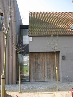 Style of gap to annex? Modern Barn, Modern Farmhouse, Beautiful Buildings, Beautiful Homes, Exterior Design, Interior And Exterior, Building Design, Building A House, Extension Veranda