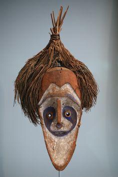 Duke-of-York-Inseln östlich der Gazelle-Halbinsel von Neubritannien, Papua-Neuguinea Vermutlich Tolai-Volk lor-MaskeWLA metmuseum New Guinea Mask Lor.jpg