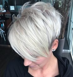 Gorgeous Short Haircuts For Women Regarding the haircut, the ladies are always befuddled. Hair makes a woman look fascinating. Undercut Pixie Haircut, Blonde Pixie Haircut, Pixie Haircut Styles, Undercut Hairstyles, Short Hair Styles, Short Choppy Haircuts, Long Pixie Hairstyles, Pixie Haircuts, Gray Hairstyles
