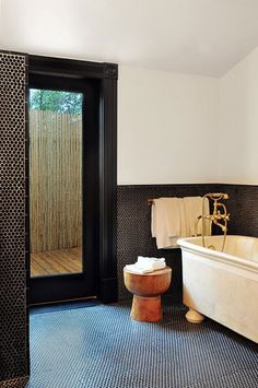 Would love to have this bathroom!