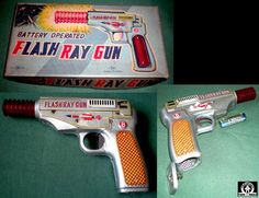 Space Guns - FLASH RAY GUN - NOMURA SW - JAPAN - ALPHADROME ROBOT AND SPACE TOY DATABASE