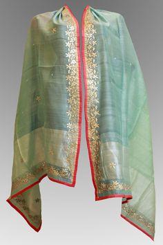 vishal kapur gota patti Indian Suits, Indian Attire, Indian Dresses, Indian Wear, Bd Fashion, Modest Fashion, Indian Fashion, Fashion Outfits, Kurta Designs