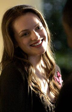 Elisabeth Moss As Zoey Bartlet in the West Wing. The West Wing, Studio 60, Elizabeth Moss, Three Daughters, Great Tv Shows, American Presidents, Celebs, Home, Celebrity