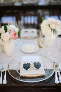 Sunglasses Wedding Favors | photography by http://hazelnutphotography.com/