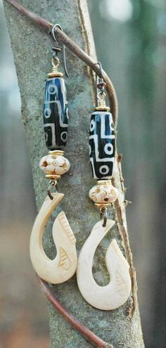 Fish Hook Earrings: Both fashionable and exotic, these fun bohemian tribal earrings will go with almost all of your cozy fall and winter outfits! A beautiful an