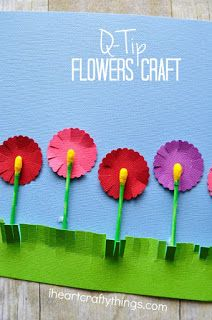 Use an empty water bottle to make prints and create this stunning Hyacinth flower craft for kids. Such a beautiful flower craft and perfect as a spring kids craft for toddlers, preschool or elementary school students.