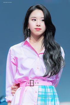 𝚏𝚘𝚕𝚕𝚘𝚠 𝚖𝚎 𝚏𝚘𝚛 𝚖𝚘𝚛𝚎 ©satanjeongyeon Nayeon, K Pop, Kpop Girl Groups, Korean Girl Groups, Kpop Girls, The Band, Twice Jyp, Twice Once, Extended Play