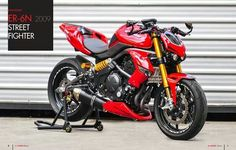 Kawasaki ER6N Modified-the Er6n is a nice motorcycle.  This rework took a lot of imagination and determination, but the result is incredible!