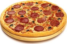 Пицца пепперони   Пицца Пепперони, рецепт которой предлагается ниже, является весьма популярным видом пиццы в любом месте мира. Пицца Пепперони свое наименование получила благодаря главному ингредиенту-острой салями «Пепперони», отличающему ее от прочих видов пицц.