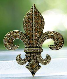 French fleur de lis  royal wedding brooch pin