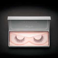 Designed for ladies with natural medium to long lashes, each individual strand on these mink false eyelashes overlap for a lustrous and heavenly effect