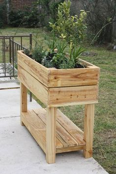 Building A Raised Garden Bed with legs For Your Plants Diy Pallet Projects, Garden Projects, Wood Projects, Pallet Ideas, Wooden Planters, Planter Boxes, Pallet Planter Box, Planter Garden, Pallets Garden