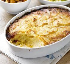 Dauphinoise potatoes Easy Potato Recipes, Healthy Dinner Recipes, Bbc Good Food Recipes, Cooking Recipes, Veg Recipes, Recipies, Root Vegetable Gratin, Potatoes Dauphinoise, Potato Sides