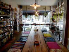 La Bouche delicatesse and cafe