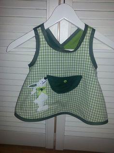 Hängerchen & Tuniken - Schürzenkleidchen / Hängerchen Gr. 86, Hase, grün - ein Designerstück von GuteUte bei DaWanda