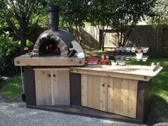 Like the igloo and exposed chimeny Pizza oven, Pearland, TX