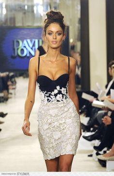 Nicole Trunfio Photos - Nicole Trunfio models for the David Jones S/S 2011  season launch fashion show in the David Jonescity store in Sydney.