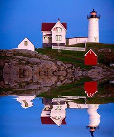 Reflection, Cape Neddick, Nubble Lighthouse, Maine Coast, USA, photo: Jim Zuckerman