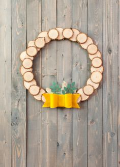 Wood Slice Wreath. Make It Now in Cricut Design Space