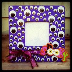 Halloween Googly eye picture photo frame. Textiles4you: Halloween Swap Gifts for LadyKatka