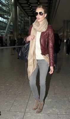 Rosie Huntington-Whiteley .....airport style