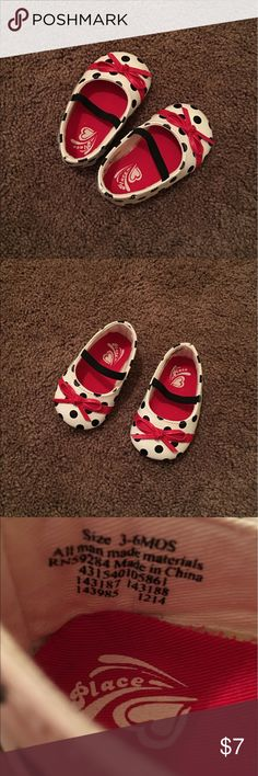"Children's Place ""lady bug"" style shoes,3/6 months These shoes were never worn bc our littles feet were too fat! 😆 There is an outfit in my closet that would match these. Would also be cute with black or red outfits! I love to mix and match 😍 🚨BUNDLE FOR YOUR BEST DEALS 💰🚨 Children's Place Shoes Baby & Walker"