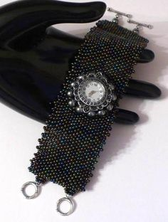 Watch attached to a peyote cuff. Diy Beaded Bracelets, Beaded Jewelry, Cuff Bracelets, Beaded Watches, Jewelry Watches, Watch Diy, Elegant Watches, Peyote Patterns, Loom Beading