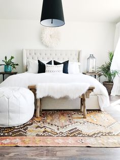 Never underestimate the power of the perfect kilim rug, a vintage bench and a couple of plants. They added the perfect finishing touches to our neutral and bright master bedroom!