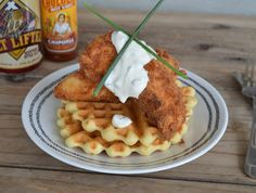 Recipe: Sticky Pineapple Chicken and Rice - Arizona Foodie Pinapple Chicken Recipes, Pineapple Chicken, Raw Food Recipes, Healthy Recipes, Healthy Foods, Love Food, A Food, Fried Chicken And Waffles, Waffle Toppings