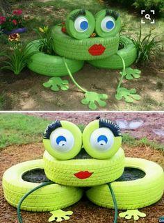 DIY Tire Frog Planter 20 Colorful Garden Art DIY Decorating Ideas Source by femare Diy Garden Projects, Garden Crafts, Diy Garden Decor, Garden Ideas, Recycled Garden Art, Art Projects, Garden Whimsy, Project Ideas, Yard Art