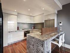 feature wall colour for kitchen