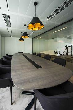 Hansa Invest / DARK / LGTM ('s) black gold / interiordesign / lighting / Buroproject / project at Diegem BE