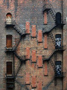 bricks. Architecture Details, Interior Architecture, Brick Architecture, Interior Design, Interior Staircase, Exterior Stairs, Industrial Architecture, Minimalist Architecture, Room Interior