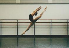 Image de ballet, dance, and ballerina Dance It Out, Dance With You, Boris Vallejo, Royal Ballet, Dark Fantasy Art, Body Painting, Alvin Ailey, Dance Poses, Ballet Photography