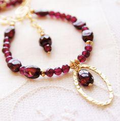 Collar de granate enero cumpleaños relleno oro rojo por JewelryBySS, $112.00