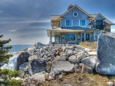 Beautiful Home in Nova Scotia : Home Trends Magazine