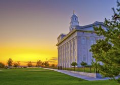 amazing photo of the Nauvoo temple