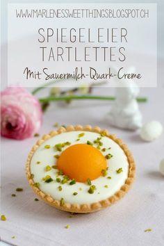 Spiegeleier-Tartelettes mit Sauermilch-Quark-Creme sind der Hingucker auf dem Oster Kaffeetafel. Das Rezept ist nicht nur zur Ostern sehr lecker, denn Tarte mit Aprikosen ist immer beliebt beim Dessert. Die Nachspeise kann sehr gut vorbereitet werden.