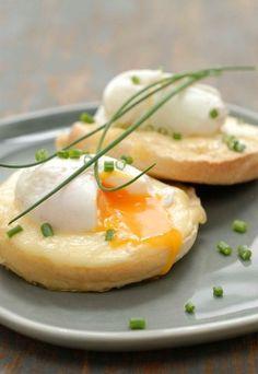 Recette oeufs bénédicte : oeufs bénédictes, oeuf benedict st nectaire - recette oeuf fromage