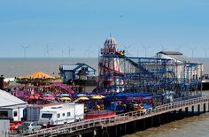 Escape London & Visit Clacton-On-sea British Holidays, Essex England, British Seaside, Fun Fair, Seaside Towns, Holiday Destinations, United Kingdom, Travelling, Beautiful Places