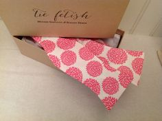 Pink and white mums butterfly tip free style bow tie by TieFetish
