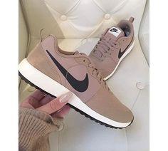Imagen de nike, shoes, and sneakers