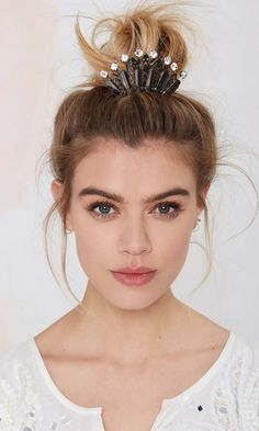 "As the queen of the lazy ""messy bun"" this is a fantastic way to spice it up."