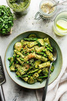 Vegan Pesto Pasta, Kale Pasta, Pot Pasta, Pesto Pasta Salad, Kale Recipes, Best Vegan Recipes, Pasta Recipes, Healthy Recipes, Eating Clean