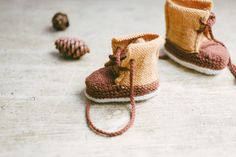 baby duck booties by meagan anderson / in quince & co. finch and chickadee